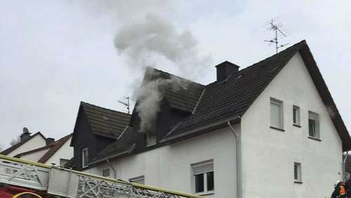 Sessel geriet in Brand