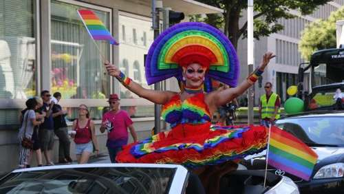 Bunte Parade: Christopher Street Day in Kassel