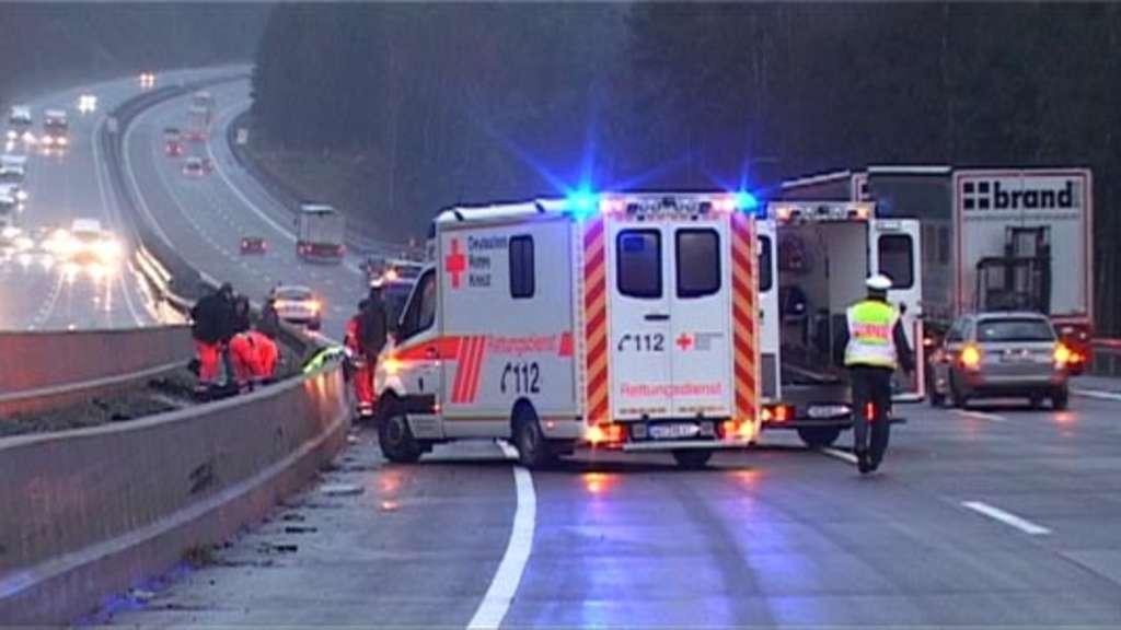 Bundespolizist bei Absicherung an Unfallstelle überfahren | Hersfeld ...