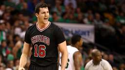 "Zipser als ""X-Faktor"": Bulls ärgern NBA-Favorit Boston"