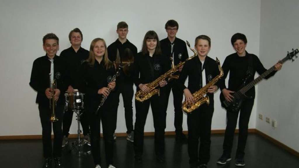 "Das Jugendorchester ""Bee Town Youth Band""."