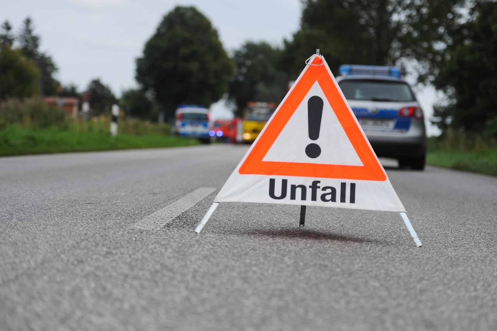 Unfall am Fuldaer Westring: 17-jähriger Moped-Fahrer kracht in Chevrolet
