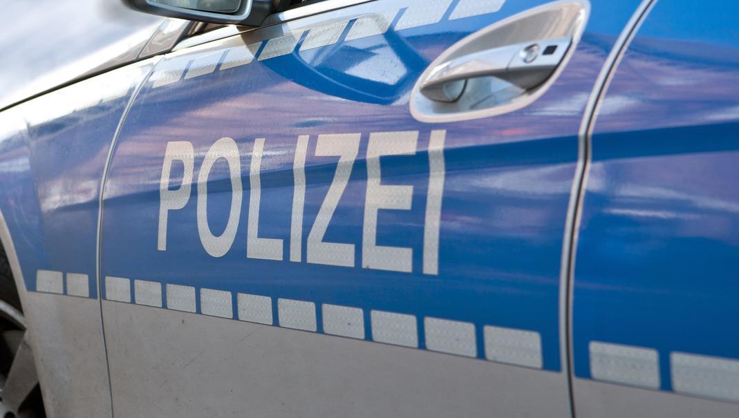 Lkw und Motorrad kollidieren inFulda - Polizei sucht nach Zeugen