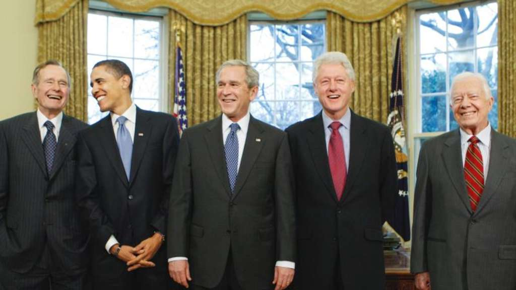 George H. W. Bush (l-r), Barrack Obama, George W. Bush, Bill Clinton und Jimmy Carter helfen den Hurrikan-Opfern. Foto: J. Scott Applewhite