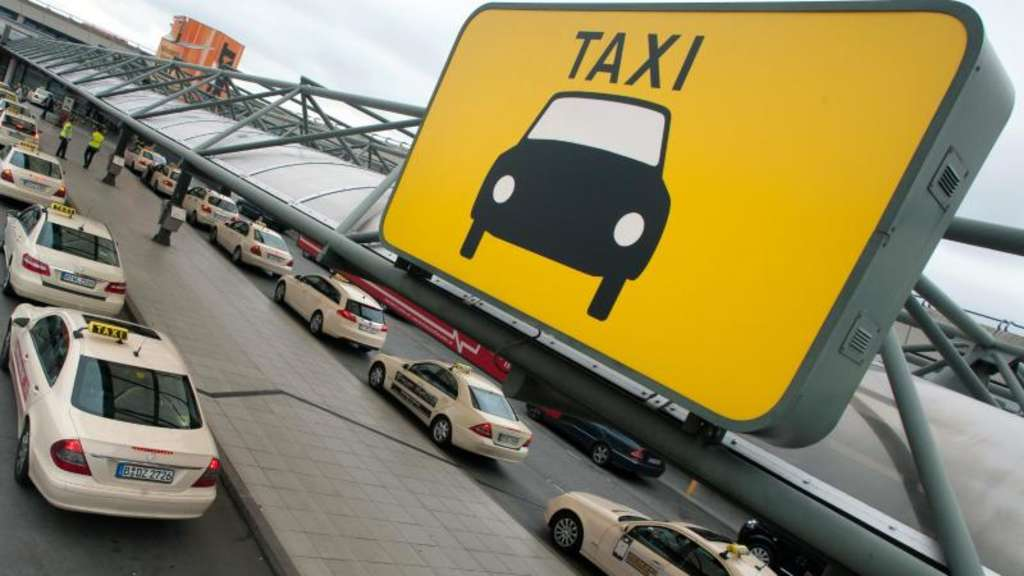 taxi oder chauffeur unterschiede beim flughafentransfer. Black Bedroom Furniture Sets. Home Design Ideas