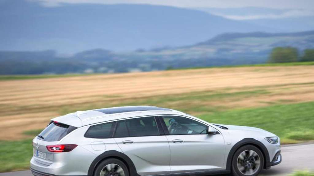 Opel Insignia jetzt auch als Country Tourer