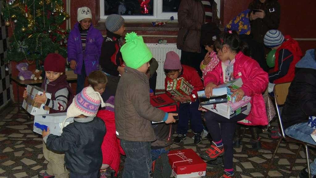 Kinderheim Weihnachtsgeschenke.Schwälmer Rumänienhilfe Bringt Weihnachtsgeschenke Für Heimkinder In