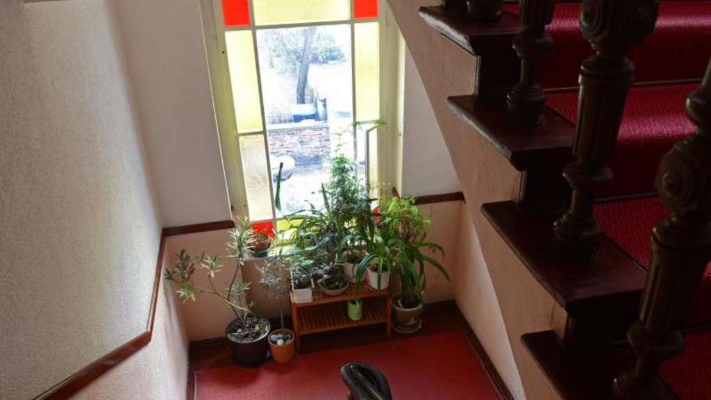 fenster im treppenhaus d rfen nicht verschlossen werden wohnen. Black Bedroom Furniture Sets. Home Design Ideas