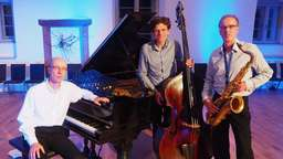 "Band ""Sounds like a Trio"" spielen im Kloster Haydau"