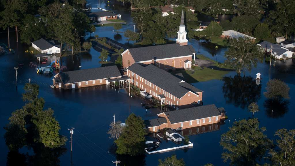 Carolinas Face Flooding After Hurricane Florence Lumbers Through States