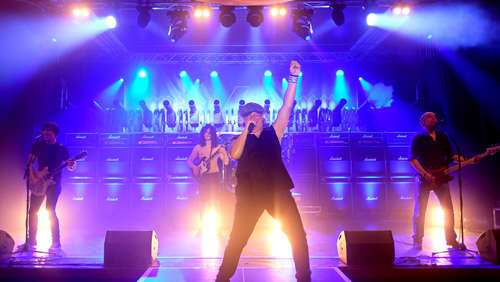 We Salute You: AC/DC Tribute Band spielt in Warburg
