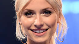 "Lena Gercke oben ohne im TV-Studio bei ""The Voice of Germany""?"