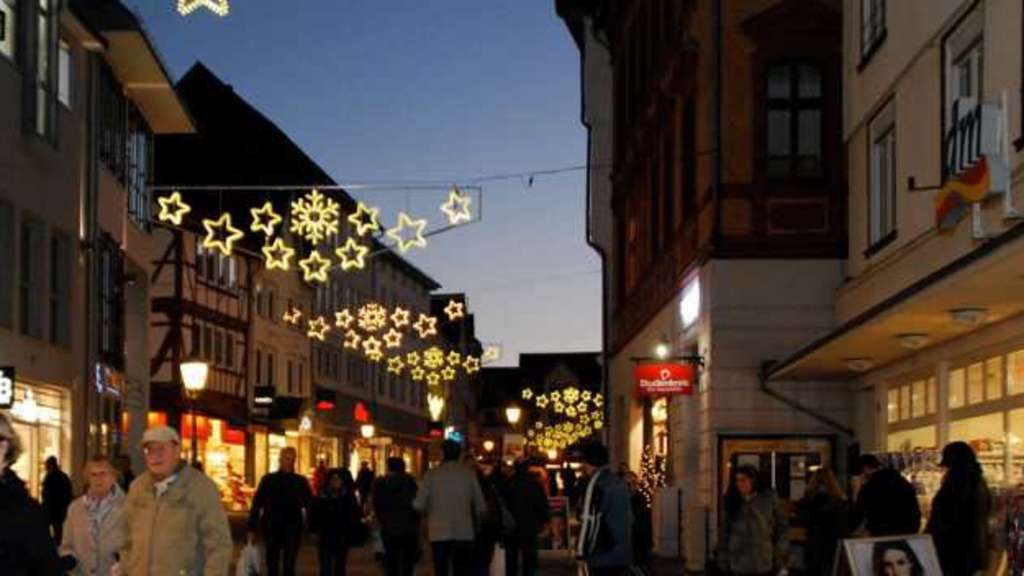 Eschwege lange Einkaufsnacht Lions-Club Weihnachtsbasar | Markt Spiegel