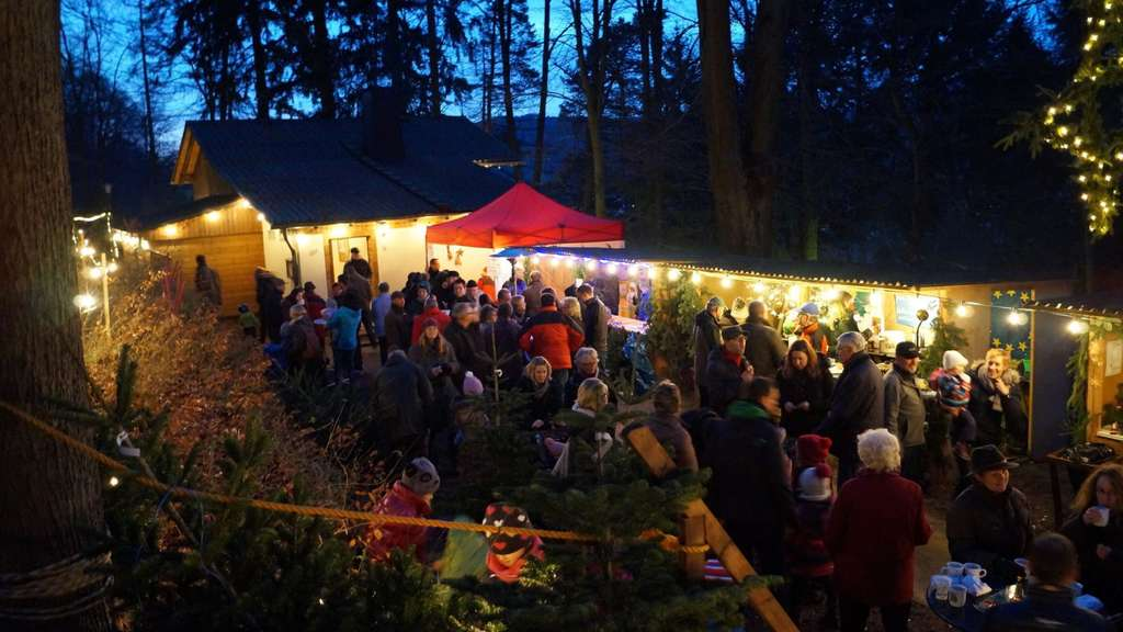 Wo Ist Weihnachtsmarkt Heute.Zwei Tage Im Wald Waldkappels Weihnachtsmarkt Beginnt Heute Markt