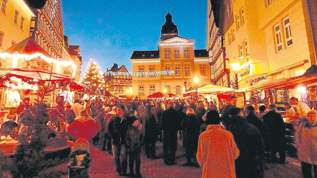 Weihnachtsmarkt Frankenberg.Weihnachtsmarkt In Bad Wildungen Mit Knusperhäuschen Lichterbaum