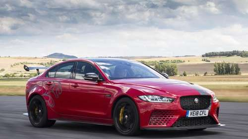 Jaguar XE SV Project 8: Business-Klasse und Boxengasse