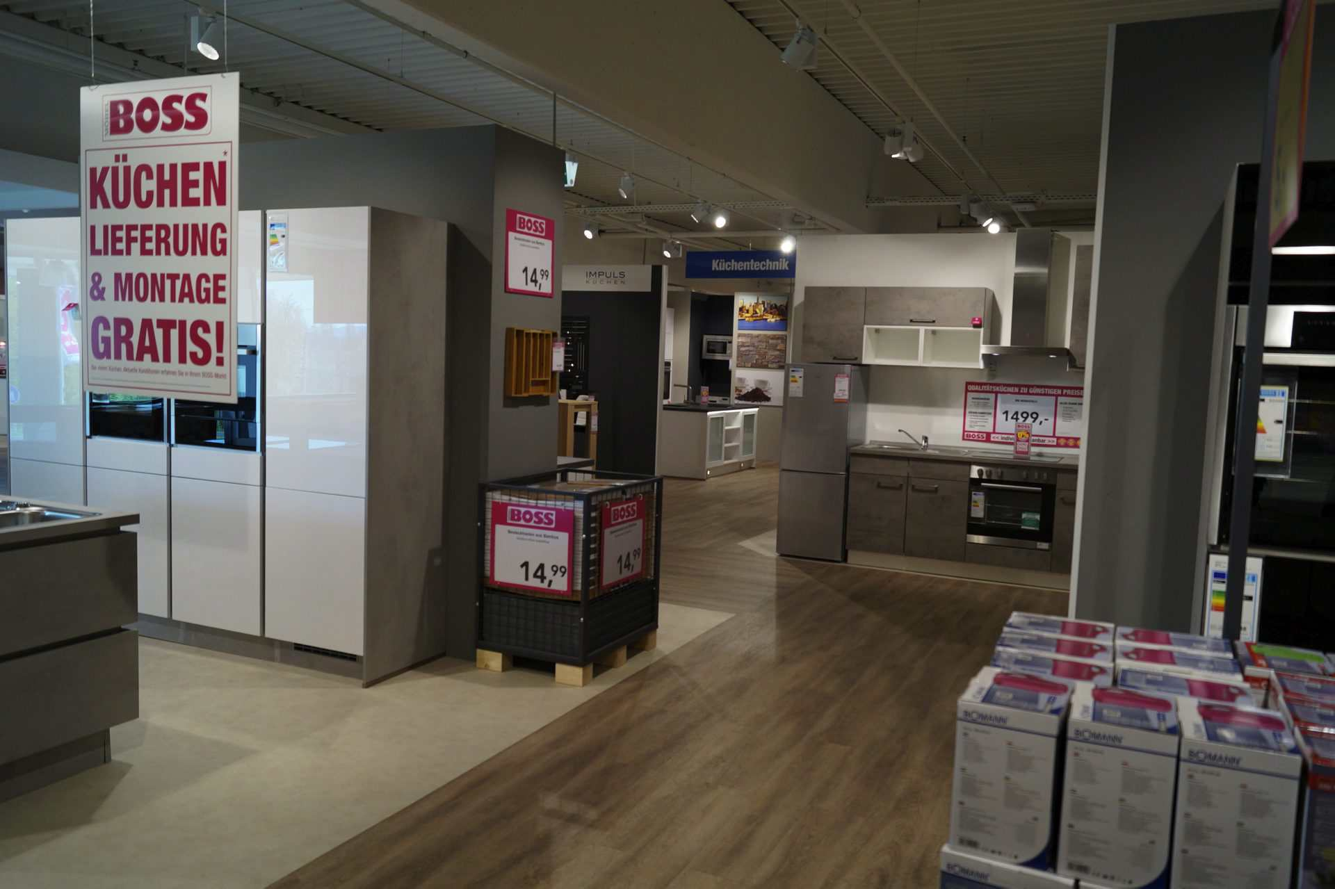 Mehrere Hundert Kunden Bei Möbel Boss Neueröffnung In Homberg