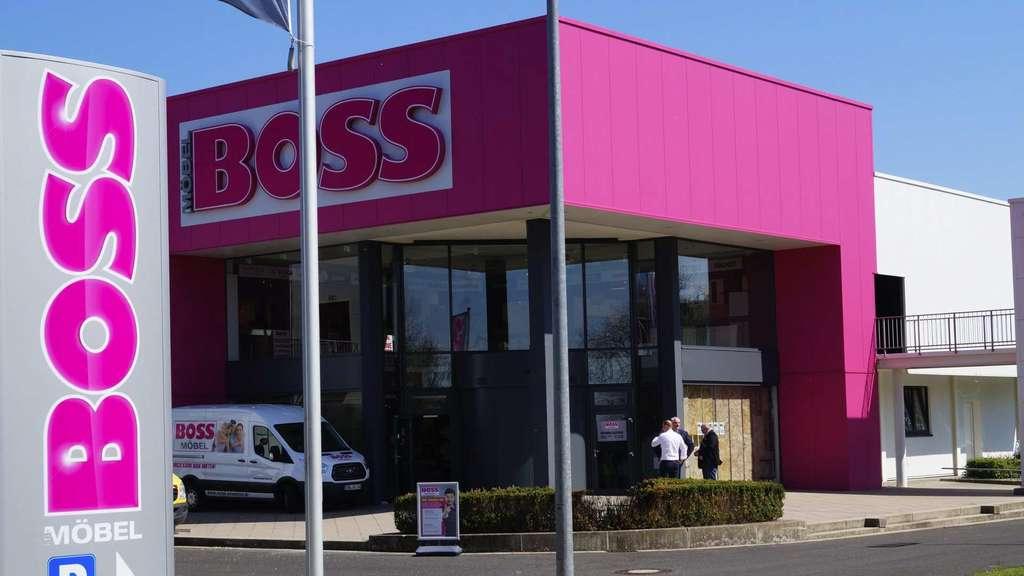 Möbel Boss Eröffnet Am 29 April 100 Schnellsten Werden Belohnt