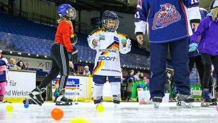 Fotostrecke: Ice Cats luden zum Girls Day ein