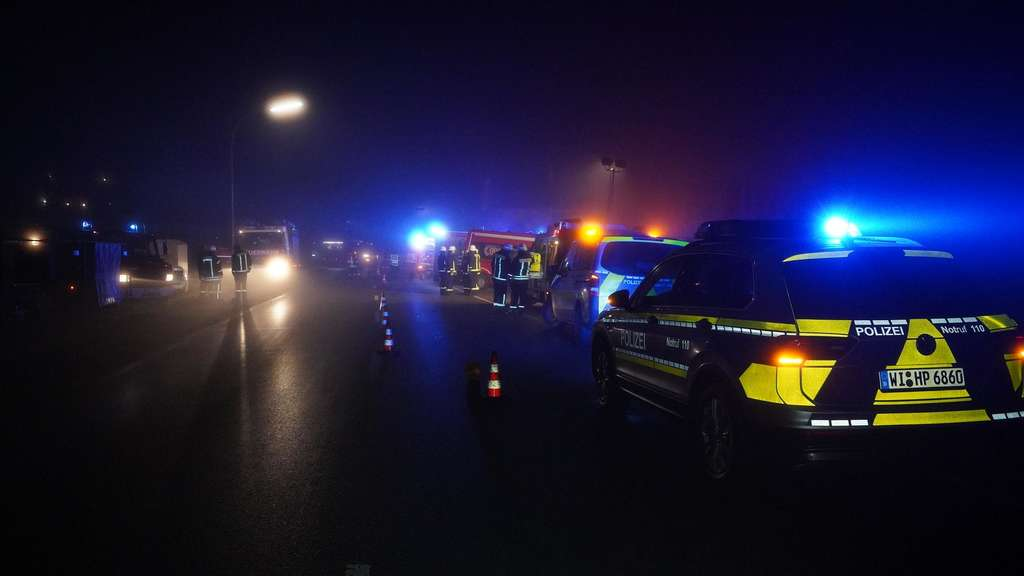 Schwere Brandstiftung in Flüchtlingsunterkunft: Polizei sucht nach flüchtigem Asylbewerber