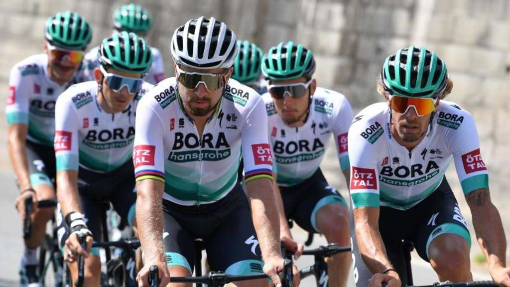 Das Team Bora-hansgrohe beim Training vor dem Start der 107. Tour de France. Foto: David Stockman/BELGA/dpa
