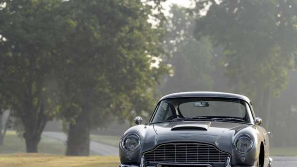 James Bonds Aston Martin DB5: In vollem Glanze wiederbelebt